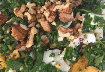 cevizli yumurta salatası